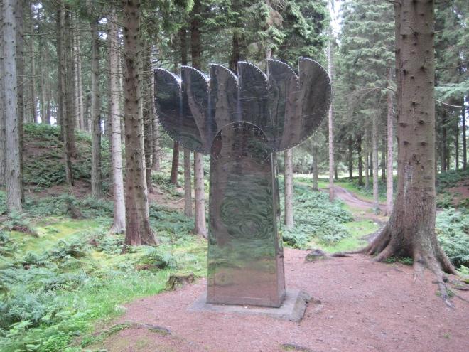 Sculpture at Tyrebagger...