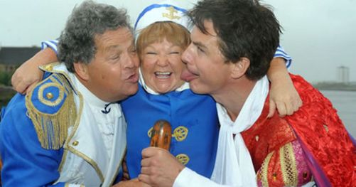 the-krankies-and-john-barrowman-image-1-690926352
