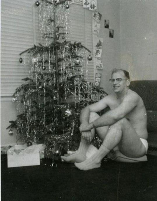 awkward-family-dad-underwear-christmas-tree-vintage