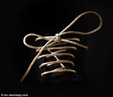 gold_shoelace-600x517